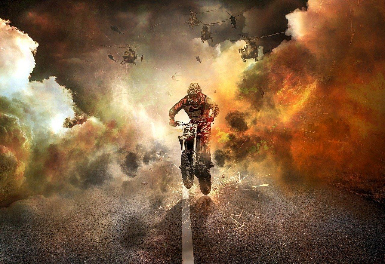 오토바이 칼치기는 불법인가요?